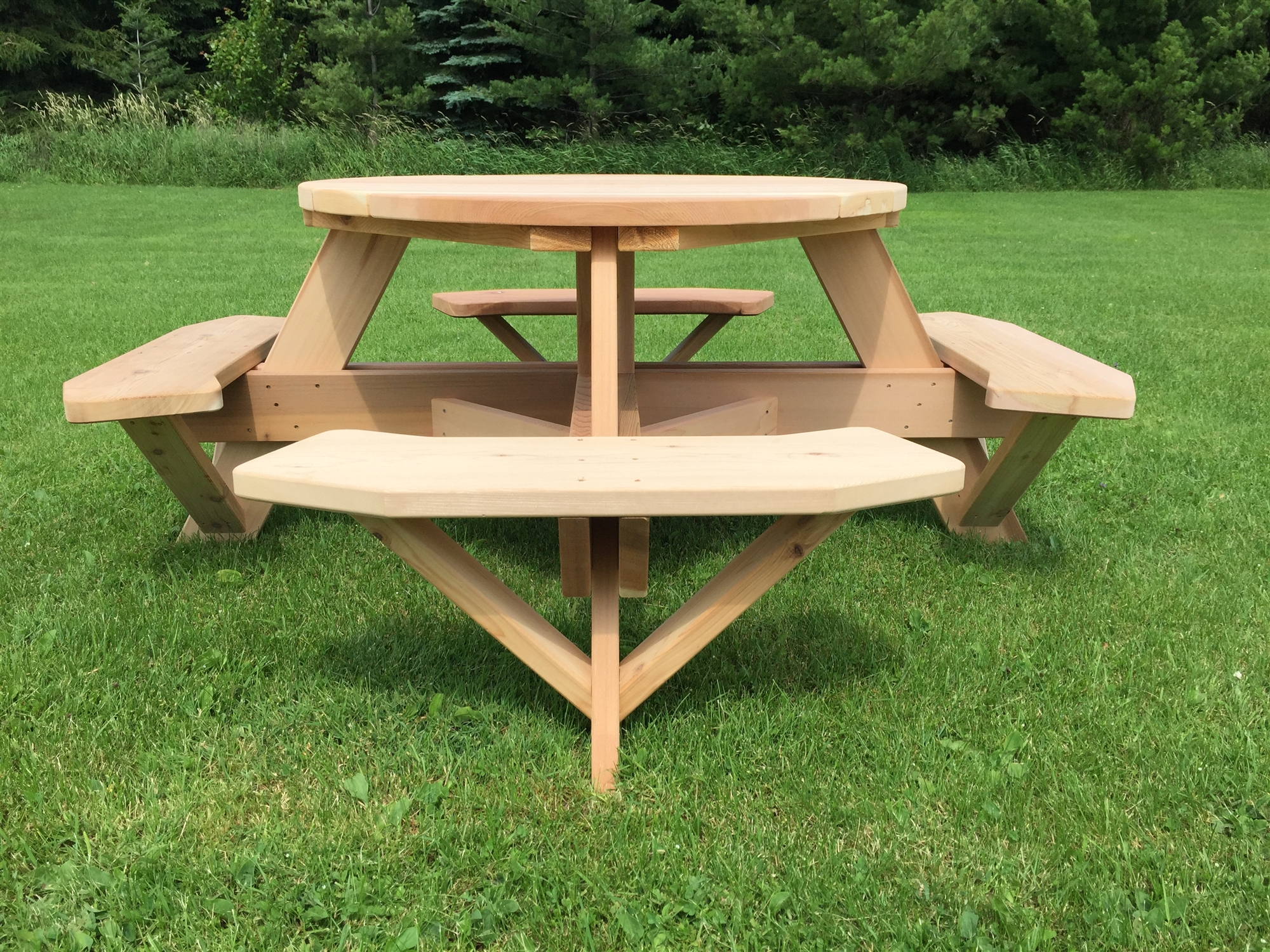 round 45 easy seating wooden picnic table with benches. Black Bedroom Furniture Sets. Home Design Ideas